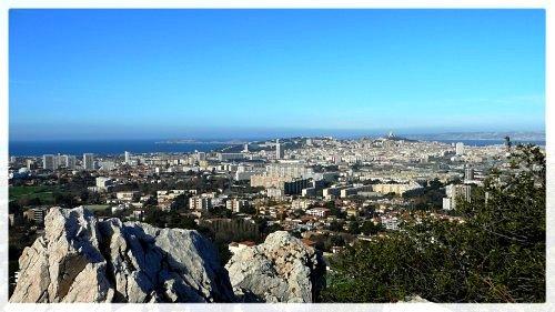 Marseille vue des pentes du Mont Rouvière