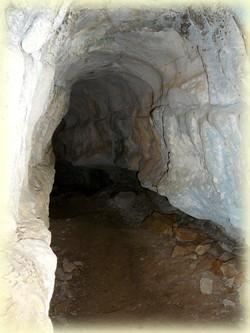 Le ravin des Encanaux, la grotte des morts - Randonnée Sainte Baume - Les Randos de Loulou
